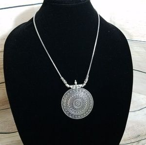 Jewelry - Silver pendant necklace NWOT